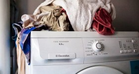 máy giặt electrolux bị rung