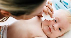 Trẻ sơ sinh nằm điều hòa bao nhiêu độ là hợp lý